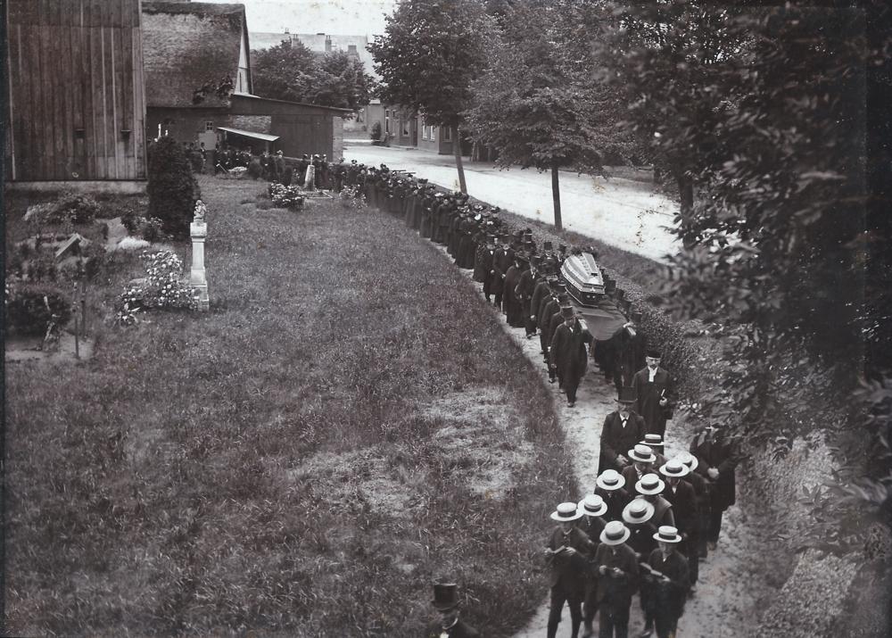 Beerdigung des Pastoren Woltmann   Bild von 1904
