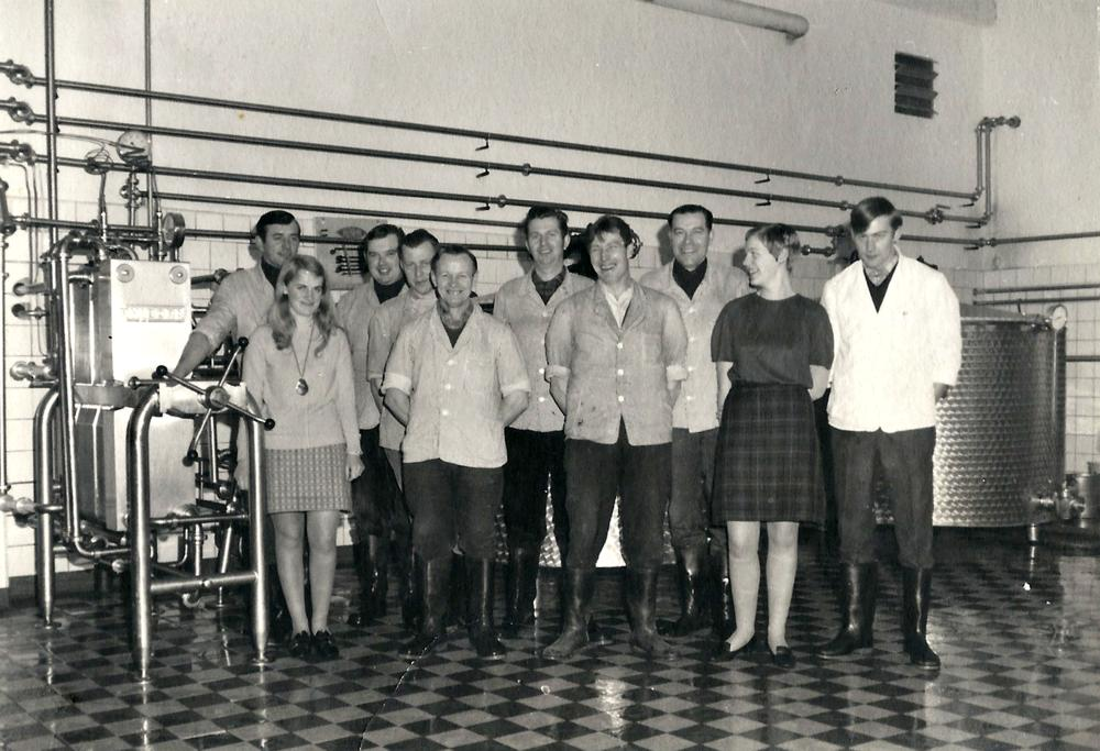 Belegschaft der Meierei Ihlienworth   Bild von 1975